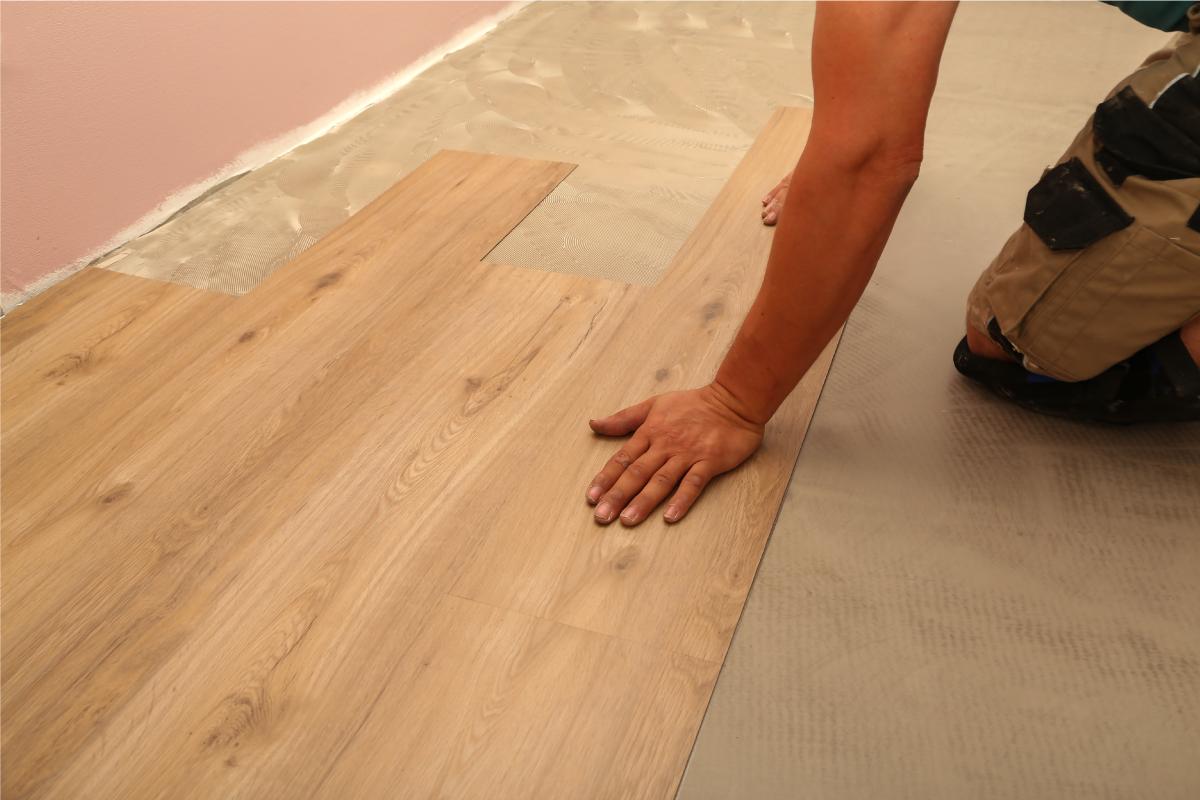 carpete ou piso vinílico